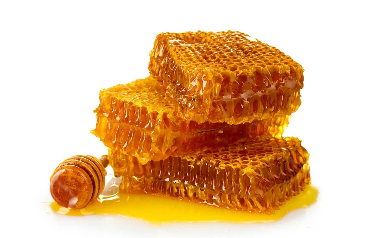 honey-with-honeycomb
