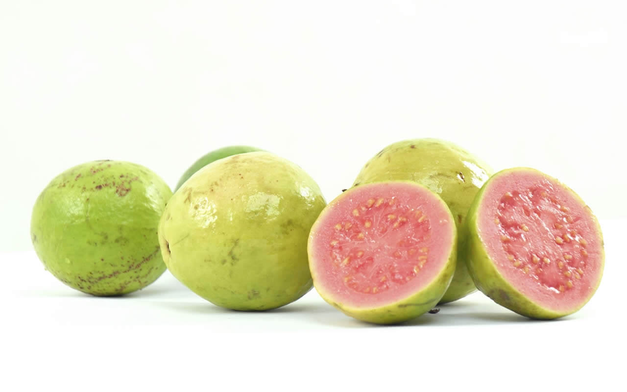 guavas A fruits to eat this summer